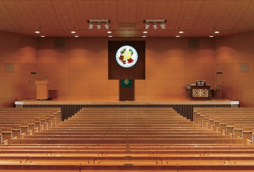 大学新館最上階_講堂